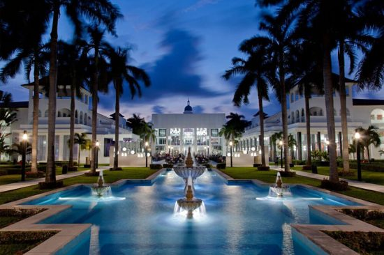 best place for wedding moon palace bahamas